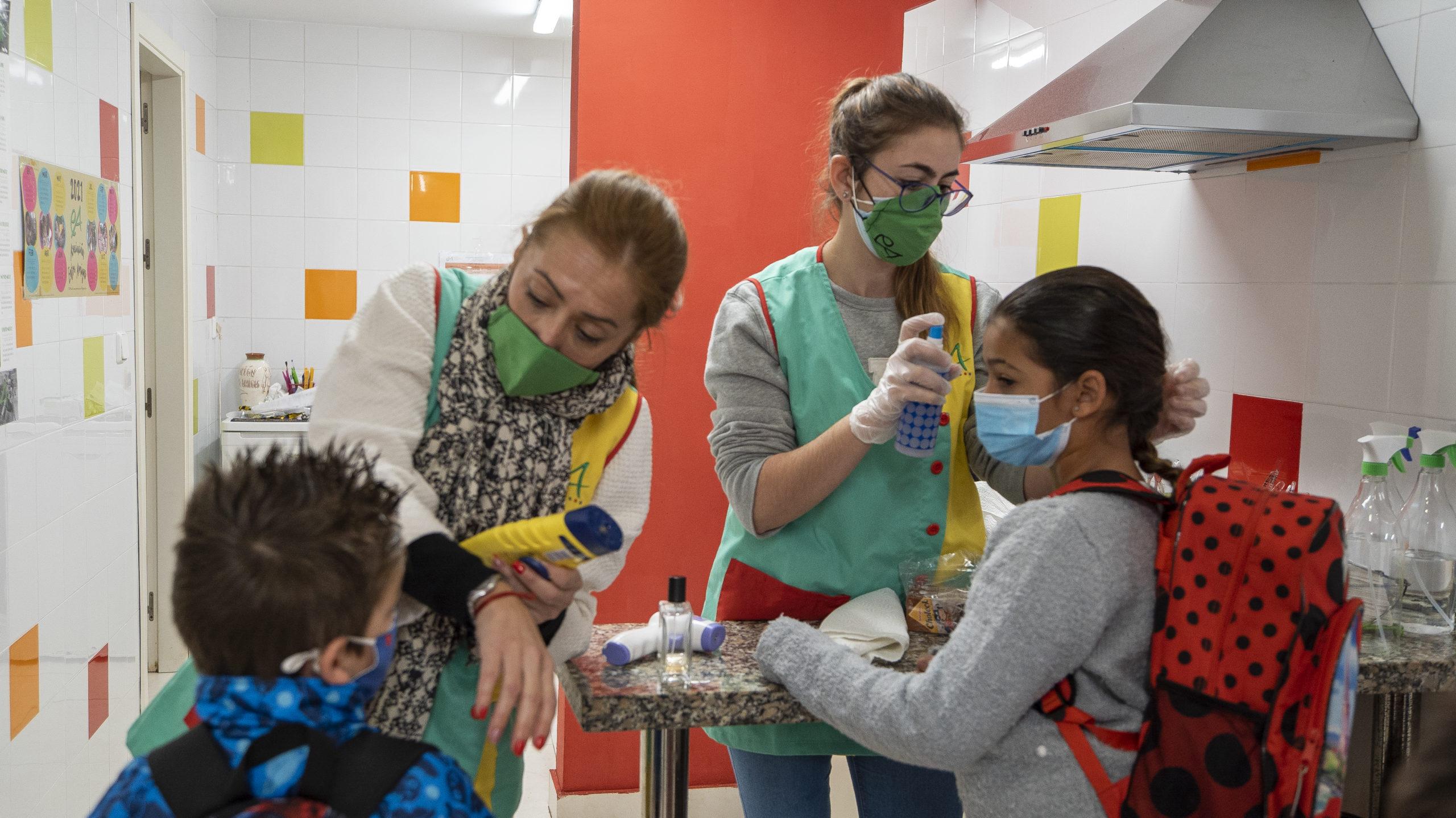 """Centro de Día: """"aquí intentamos que los menores vayan al colegio en condiciones óptimas"""""""